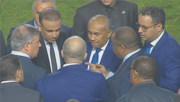 رئيس الكاف احمد احمد يتحدّى الترجي الرياضي